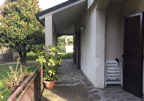 via per Landriano 3,melegnano,Provincia Milano 20077,3 Bedrooms Bedrooms,3 BathroomsBathrooms,Villa,1298